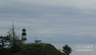 Photograph - Lighthouse At Cape Disappointment by Suzanne Lorenz
