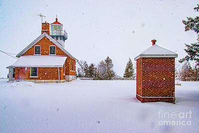 Photograph - Lighthouse In Door County 2033t by Doug Berry