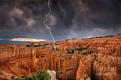 Photograph - Lightning Over Hoodoos Bryce Canyon National Park Utah by Dave Welling