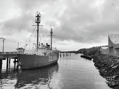 Photograph - Lightship Columbia by Scott Cameron