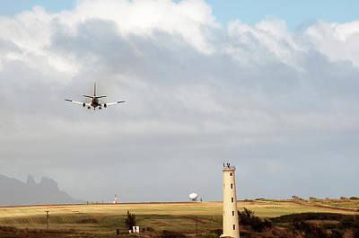 Airscape Photograph - Lihue Landing by Vm Vassolo