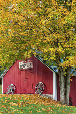Wagon Wheels Photograph - Lil Red Vermont Shed by Thomas Schoeller
