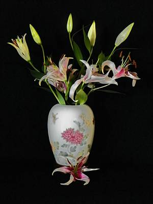 Photograph - Lily In Asian Ginger Jar by Joseph Frank Baraba