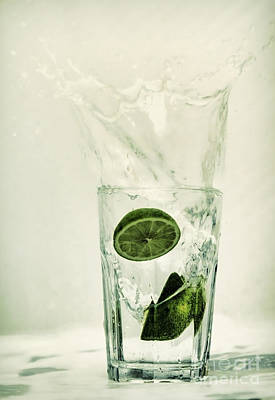 Splash Photograph - Lime by Sebastien Coell