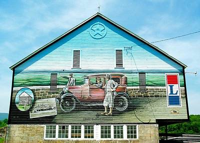 Photograph - Lincoln Highway Barn Mural by Tana Reiff