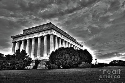 Politicians Digital Art - Lincoln Memorial in Washington DC by ELITE IMAGE photography By Chad McDermott