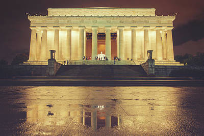 Photograph - Lincoln Memorial by Ray Devlin