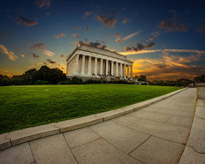 Photograph - Lincoln Memorial Sunset by Chris Bordeleau