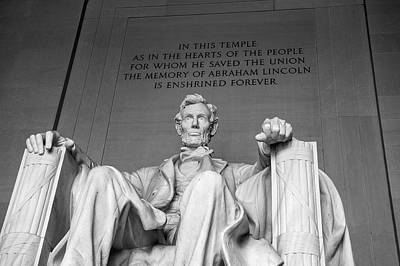 Photograph - Lincoln Statue by Cathie Crow