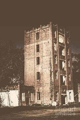 Abandoned Structures Photograph - Lincolns Oakbank Brewery by Jorgo Photography - Wall Art Gallery