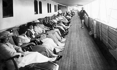 Group Of Women Talking Photograph - Line Of Ship Passengers by Underwood Archives