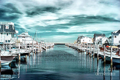 Photograph - Lined Up In Lbi Infrared by John Rizzuto