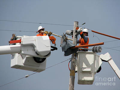 Photograph - Linemen by James B Toy