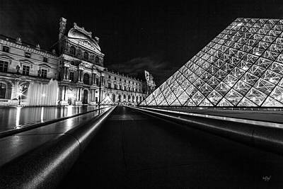 Photograph - Lines Of The Louvre by Everet Regal