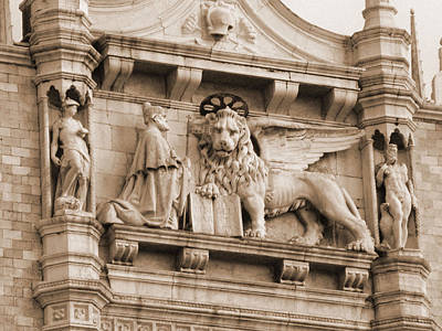 Photograph - Lion Of Venice With The Doge by Donna Corless
