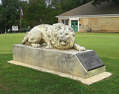 Golf Statues Photograph - Lions Golf Course by Jim Smith