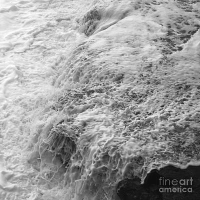 Photograph - Liquid Edge. 2 by Paul Davenport
