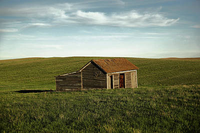Photograph - Little Cabin On The Prairie by Jeff Swan
