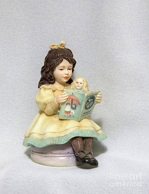 Photograph - Little Miss Muffet by Linda Phelps