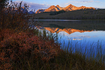 Photograph - Little Redfish Lake Autumn Morning In Stanley Idaho by Vishwanath Bhat
