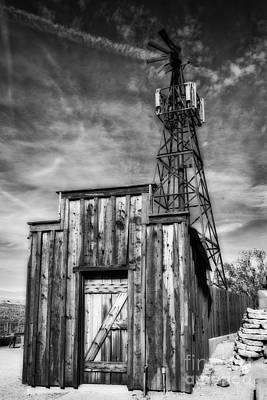 Photograph - Little Shack In The Desert by Lee Craig