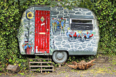 Trailer Photograph - Living In Art by Meirion Matthias