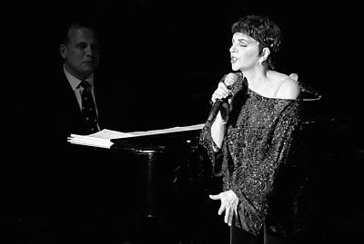 Liza Minnelli Photograph - Liza Minnelli 33 by Rafa Rivas