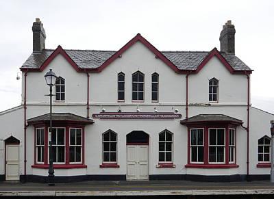 Photograph - Llanfairpwllgwyngyllgogerychwyrndrobwllllantysiliogogogoch Station by Richard Reeve