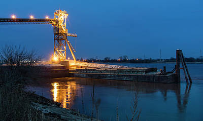 Photograph - Loading Grain St Louis by Garry McMichael