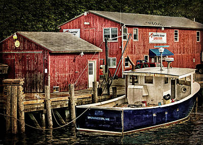 Photograph - Lobster Market In Boothbay Harbor by Carolyn Derstine