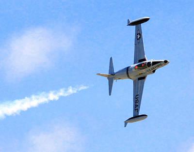 T33 Photograph - Lockheed T-33 028 by Jeff Stallard