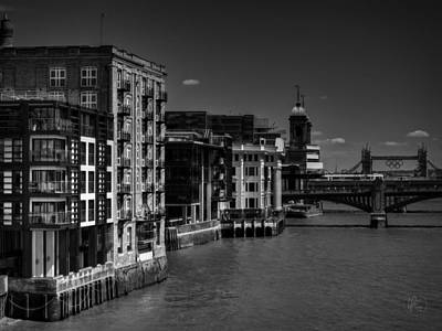 Photograph - London 076 Bw by Lance Vaughn