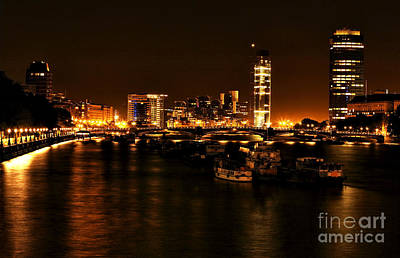 Photograph - London At Night by John Rizzuto