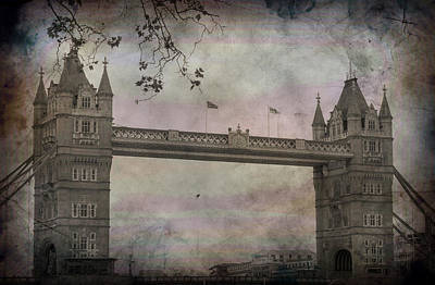 Photograph - London Bridge by Bill Howard