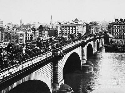 Photograph - London Bridge, C1905 by Granger
