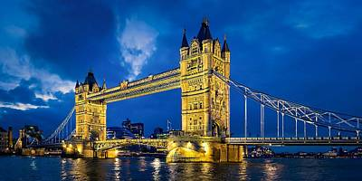 Photograph - London Bridge Panorama by Jeff S PhotoArt