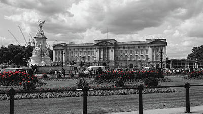 Photograph - London Buckingham Palace by Jacek Wojnarowski