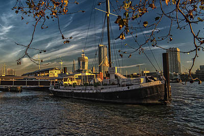 Photograph - London by Cliff Norton