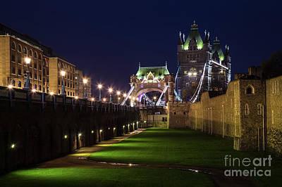 Photograph - London England #107 by Mariusz Czajkowski