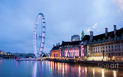 London Eye At Night Art Print by Donald Davis