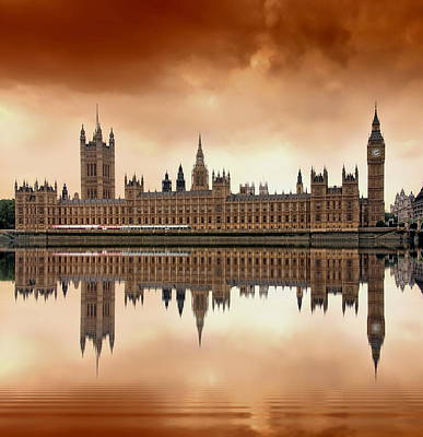 Water Reflections Digital Art - London by Jaroslaw Grudzinski