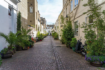 Photograph - London Mews by Alexandre Rotenberg