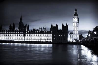 Photograph - London Night by John Rizzuto