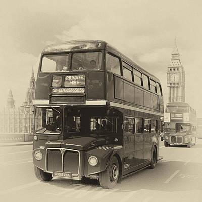 London Old Buses On Westminster Bridge Art Print by Melanie Viola