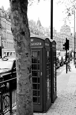 Photograph - London Phone Booth 2 by Andrew Fare
