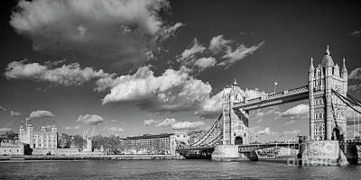 Photograph - London Scene by Colin and Linda McKie