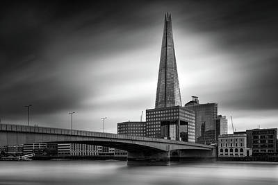 London Skyline In Monochrome Print by Ian Hufton