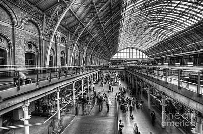 Photograph - London St Pancras Station Bw by Yhun Suarez