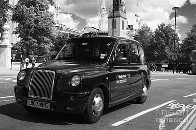 Photograph - London Taxi by Agusti Pardo Rossello