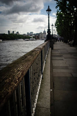 Photograph - London Thames River by Miguel Winterpacht